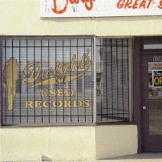 Обложка альбома Dwight's Used Records, Музыкальный Портал α