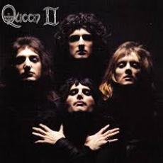 Queen II, Музыкальный Портал α