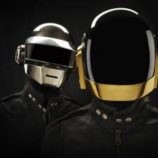 Daft Punk, Музыкальный Портал α