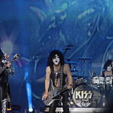 KISS, Музыкальный Портал α