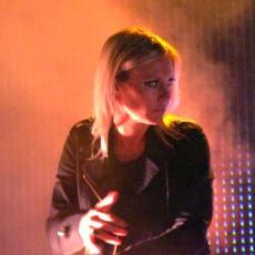 Fiona Brice, Музыкальный Портал α