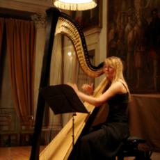 Floraleda Sacchi, Музыкальный Портал α