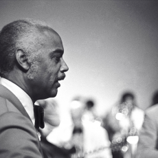 Mercer Ellington, Музыкальный Портал α