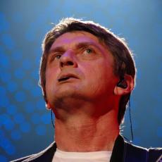 Майк Олдфилд, Музыкальный Портал α