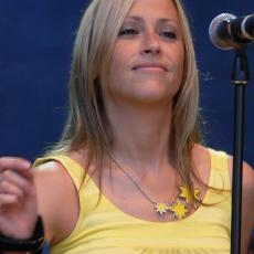 Nicole Appleton, Музыкальный Портал α