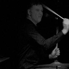 Paul Hanley, Музыкальный Портал α