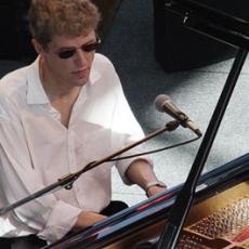 Thomas Clausen, Музыкальный Портал α
