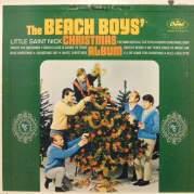 Обложка альбома The Beach Boys' Christmas Album, Музыкальный Портал α