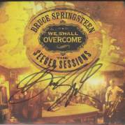 Обложка альбома We Shall Overcome: The Seeger Sessions, Музыкальный Портал α
