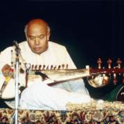 Али Акбар Хан, Музыкальный Портал α