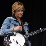 Alison Brown, Музыкальный Портал α