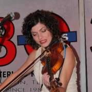 Carrie Rodriguez, Музыкальный Портал α