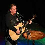 Dick Gaughan, Музыкальный Портал α