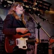 Gina Birch, Музыкальный Портал α