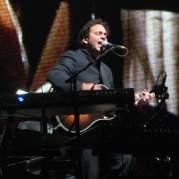 Jon Carin, Музыкальный Портал α