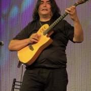 Luis Salinas, Музыкальный Портал α