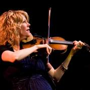 Natalie MacMaster, Музыкальный Портал α