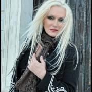 Pamela Moore, Музыкальный Портал α