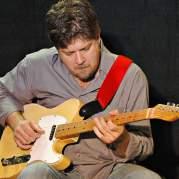 Pat Bergeson, Музыкальный Портал α