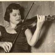 Пина Кармирелли, Музыкальный Портал α