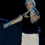 Sara Watkins, Музыкальный Портал α