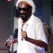 Snoop Dogg, Музыкальный Портал α