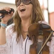 Theresa Andersson, Музыкальный Портал α