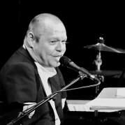 Томас Квастхофф, Музыкальный Портал α