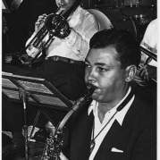 Willie Smith, Музыкальный Портал α