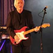 Bruce Welch, Музыкальный Портал α