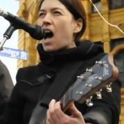 Laura MacFarlane, Музыкальный Портал α