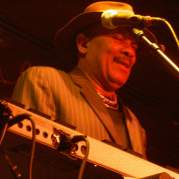 Roy Ayers, Музыкальный Портал α
